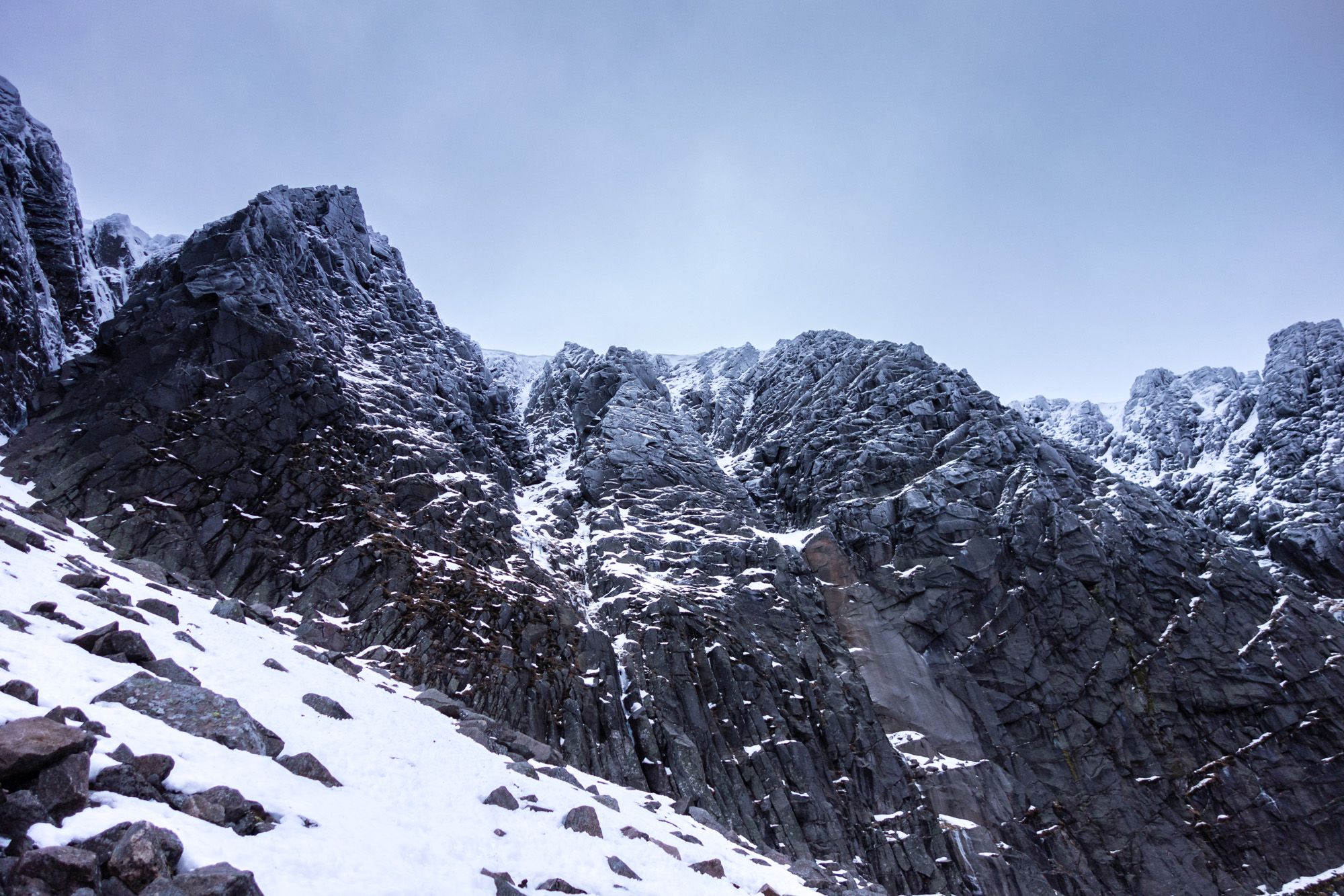 A lot of black rock about but a continuous strip of snow in Parallel Gully A lured us on, with hints of more wintery conditions higher up